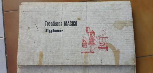 Antiguo tocadiscos magico tiber