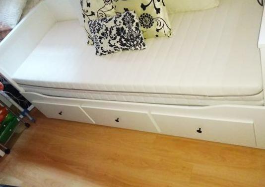 Cama diván con 3 cajones y 2 colchones