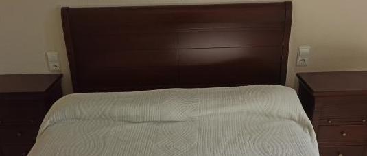 Dormitorio matrimonio. cabecero mesillas