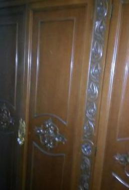 Espectacular armario de madera maciza