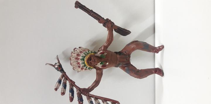 Jefe indio para caballo. realizado por pech. años 50 en