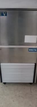 Maquina de hielo itv
