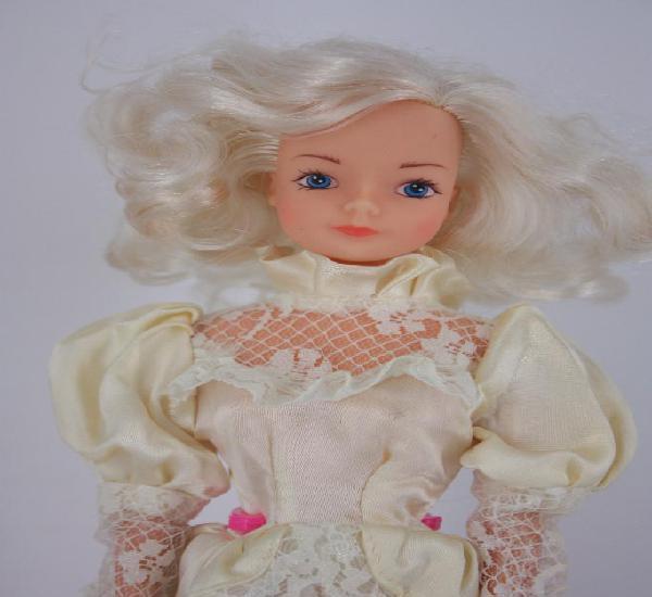Muñeca rubia clon de barbie con vestido de época - años