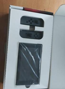 Nintendo switch, como nueva y 4 juegos
