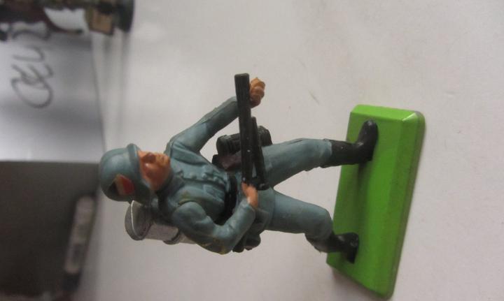 Soldado plomo aleman lanzallamas britains ltd 1971 deetail