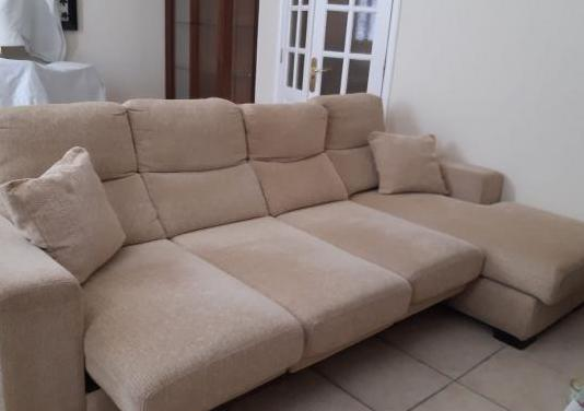 Sofá modelo chaiselongue