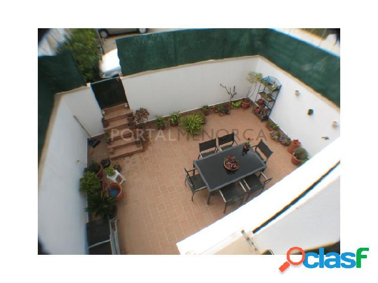 Dúplex con piscina comunitaria en es mercadal