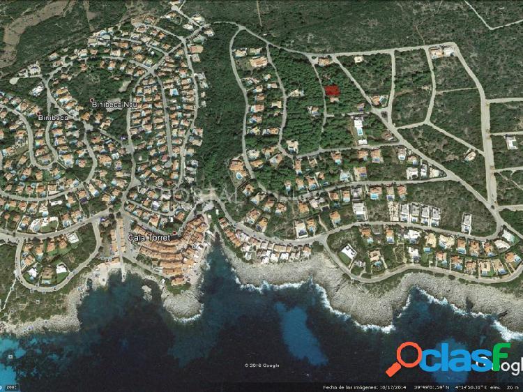 Terreno urbano en una zona boscosa en venta en s'atalaia, menorca