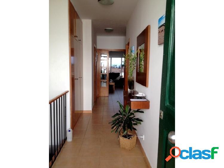 Casa en venta en menorca (es castell) de 174m2 con 3 habitaciones dobles