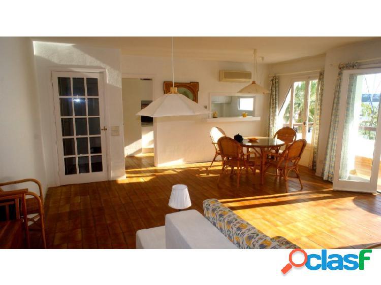 Piso en venta en menorca (maó / mahón) de 140 m² con 4 habitaciones