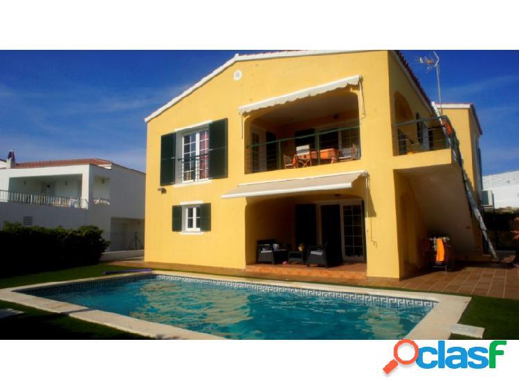 Chalet en venta en menorca (maó / mahón) de 339 m² con 4 habitaciones
