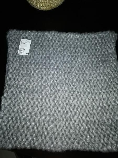 2 cojines color gris. nuevos