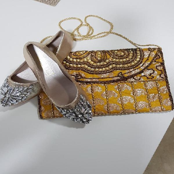 Bolso y zapatos nuevos