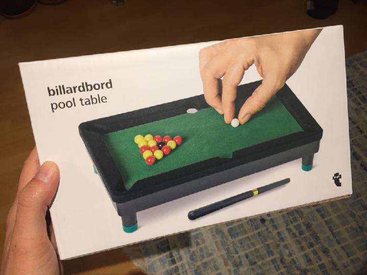 Mini mesa de billar - pool table