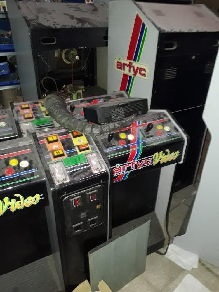 Se venden máquinas recreativas