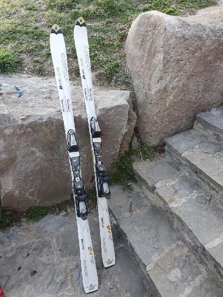 Esquís atomic 1,70 mts