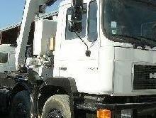 Camión man 8x4 portacontecontenedores