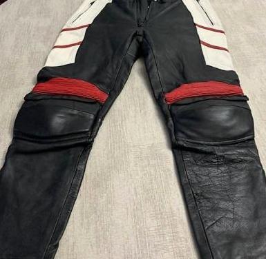 Pantalón mono de moto talla 52