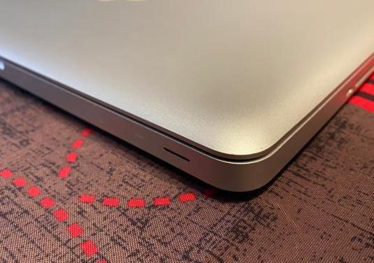 Apple macbook pro i7, 120gb ssd, 16gb ram