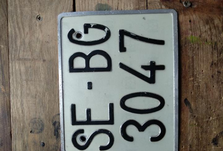 Matrícula antigua de coche