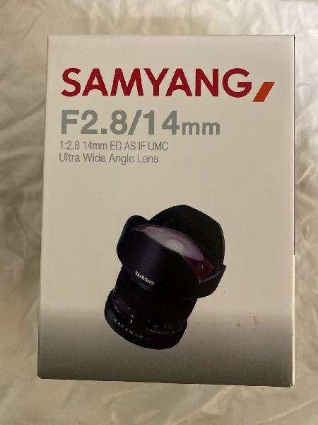 Objetivo samyang 14mm sony e