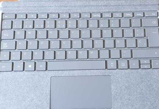 Teclado microsoft surface pro signature.