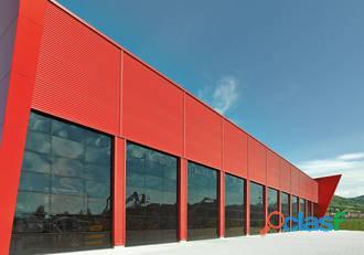 Fabricante especialista en puertas seccionales industriales para naves 3