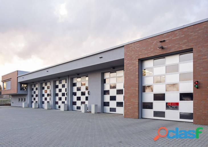 Fabricante especialista en puertas seccionales industriales para naves 2