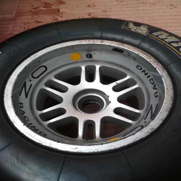 Llanta + neumático fórmula 1