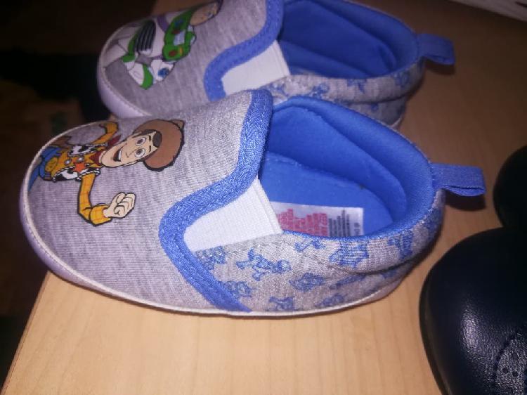Zapatillas zapatos bebe
