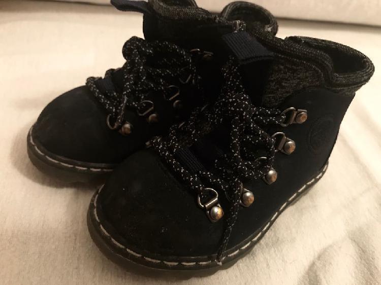 Botas bebé talla 22