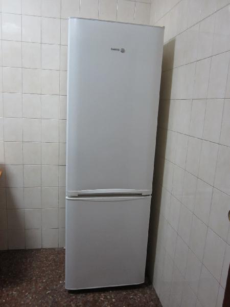 Nevera frigorífico combi marca fagor