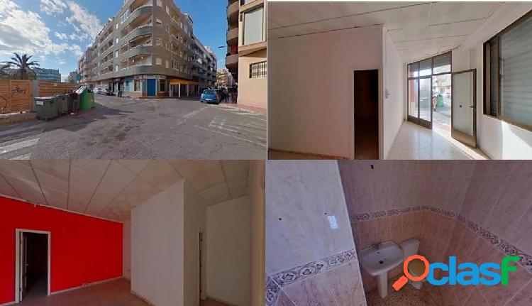 Local comercial en torrevieja (alicante)