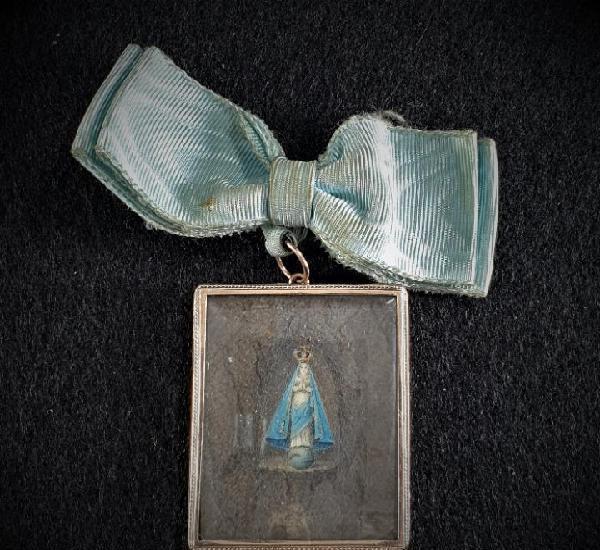 Antiguo colgante en Oro 14K con imagen nuestra señora XIX