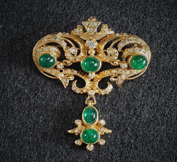 Antiguo colgante en Oro 19.2K 800/000 y emeraldas