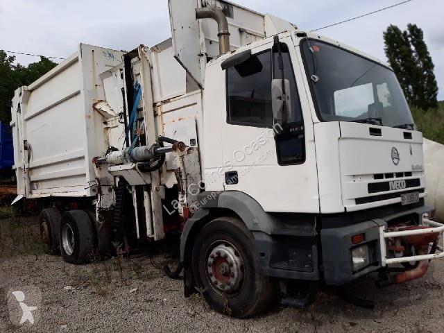 Camión volquete para residuos domésticos Iveco MP 240