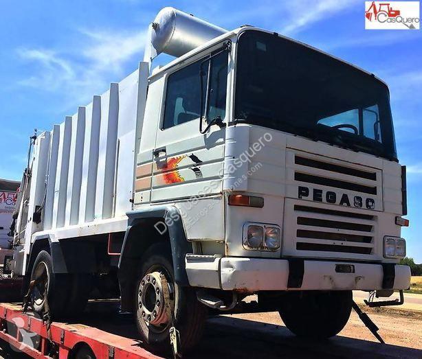 Camión volquete para residuos domésticos Pegaso 1217.14