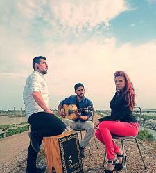 Grupo flamenco-pop. grupo de rumbas y versiones