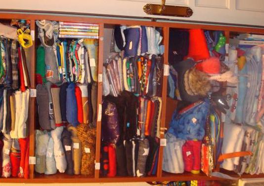 Mucha ropa infantil desde 6m a 7años
