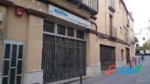 ALQUILO PISO GRANDE EN PIERA