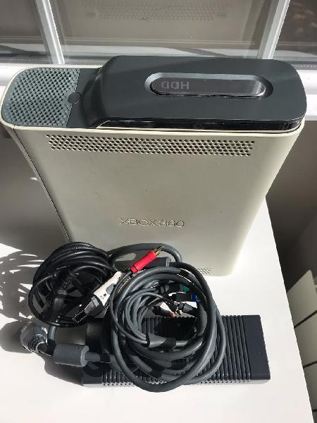 Xbox 360 con todos sus cables