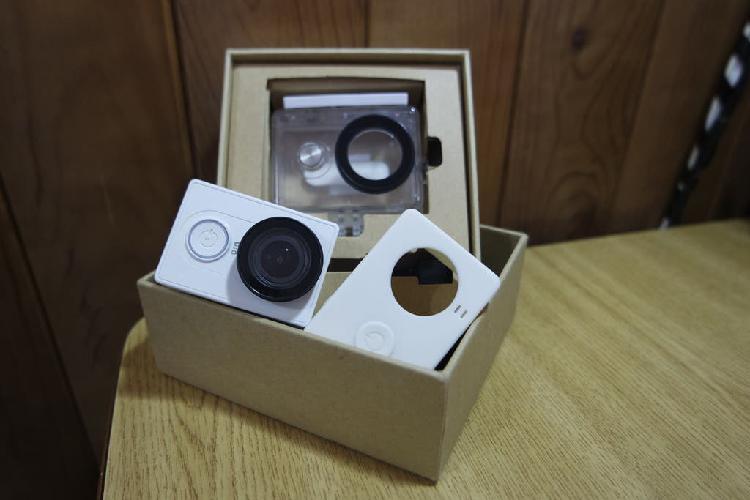 Xiaomi yi action cam con carcasa acuática original