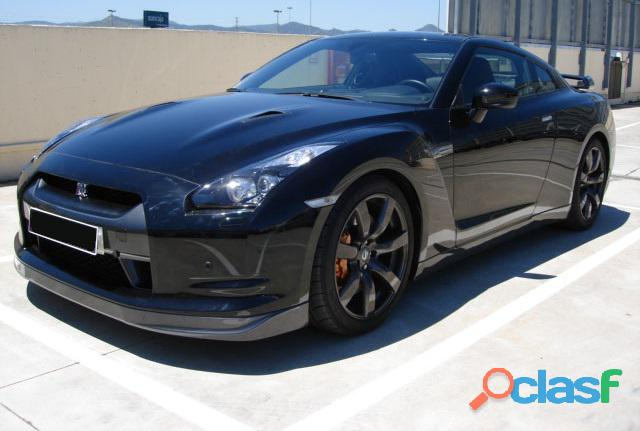 Nissan gt r black edition