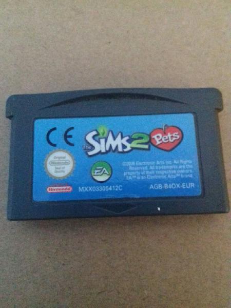 Sims 2 pets para game boy advance