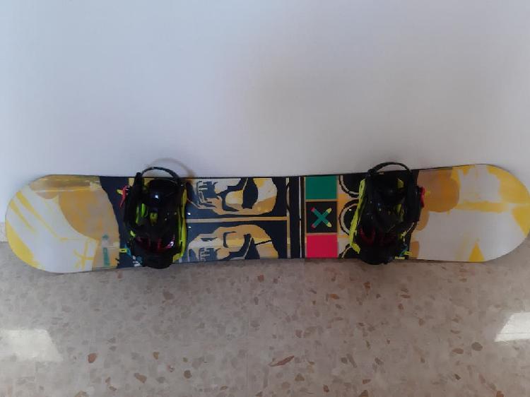 Tabla de snowboard k2 + fijaciones alta gama