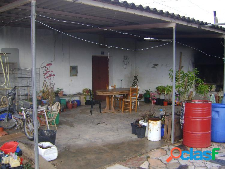 Se vende casa cueva en zona camino pavos:precio.90.000€