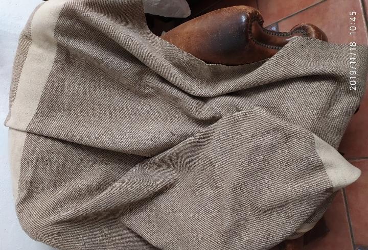 Manta antigua de lana estameña de telar artesanal pps.