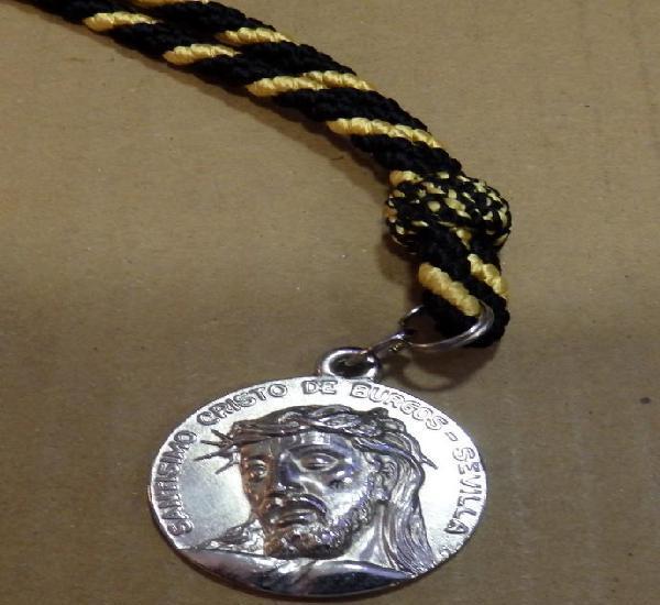 Semana santa sevilla, medalla con cordon de la hermandad del