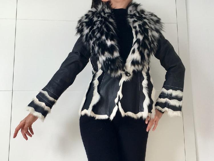 Abrigo chaqueta piel pelo animal negro blanco