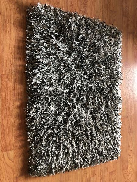 Alfombra gris pelo nueva